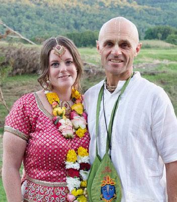 In April Jyestha devi dasi and Rupa Ragunatha dasa were married at Riva Vue, Murwillumbah. Congratulations to the happy couple.