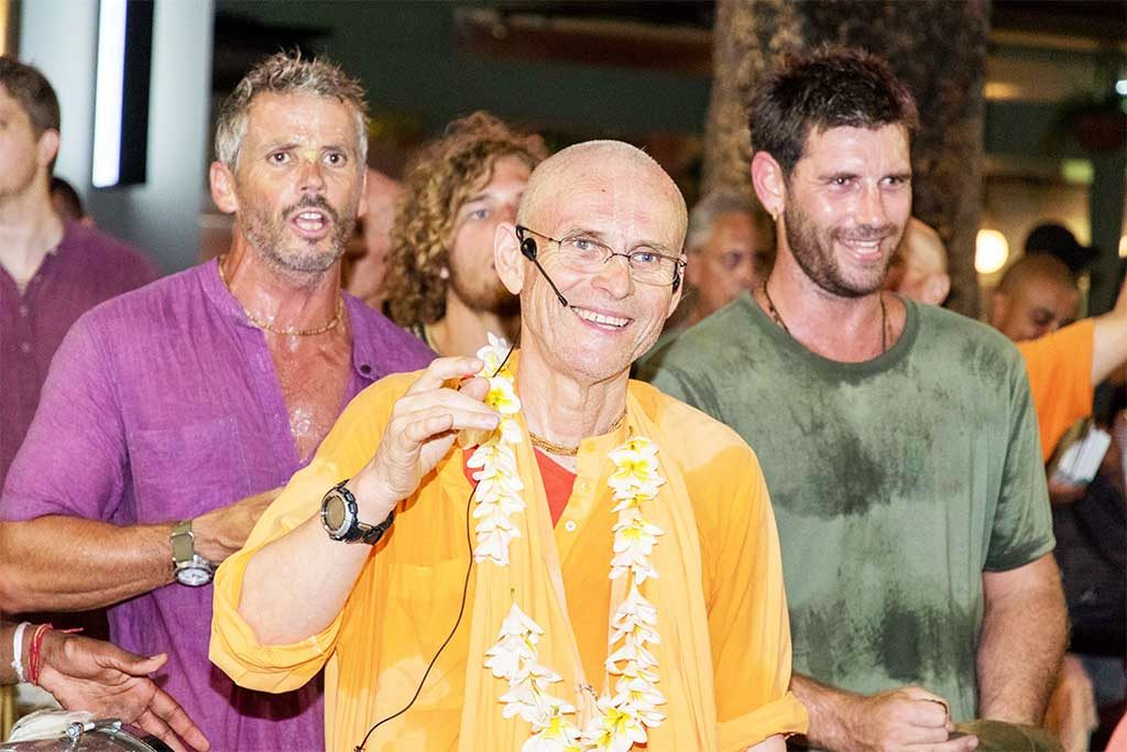 Kadamba Kanana Swami leads blissful New Year's Eve harinama.