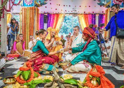 Wedding-at-Jagannatha-Temple 2