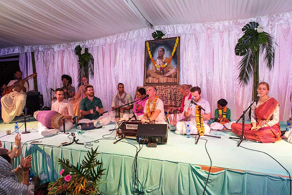 Bhadahari dasa leading one of his sweet kirtanas at the Sacred Sound Retreat.