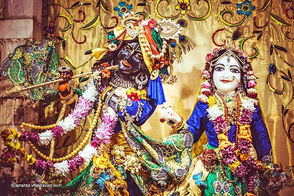 The majestic Radha Govardhanadhari.