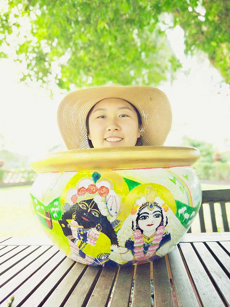 Hyesun with the beautiful pot she painted for the recent Panihati festival.