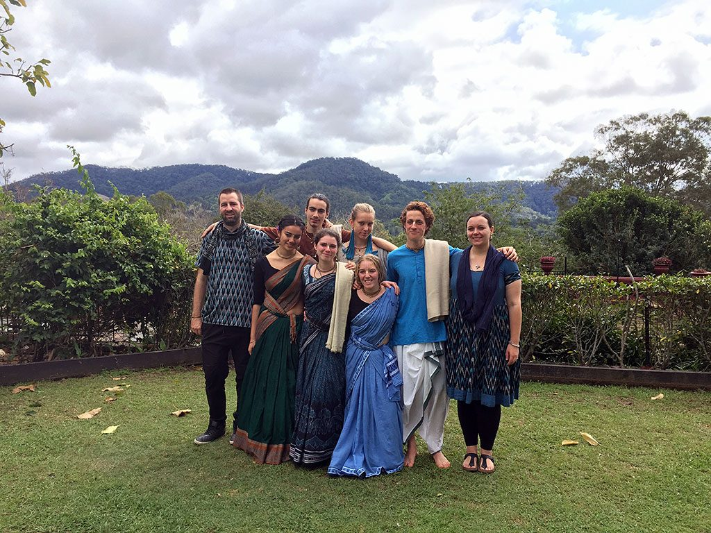 Teachers Syama Sakhi dasi and Madhvendra Puri dasa with the graduates